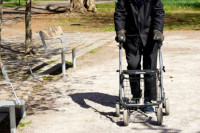 rullator man aldre pensionar