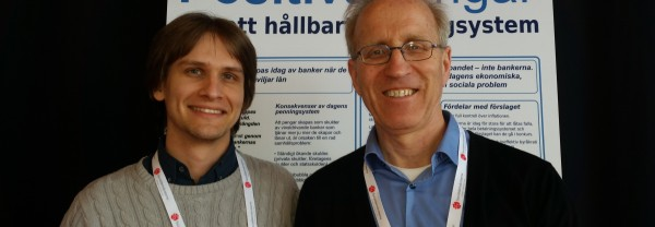 Samuel Kazen Orrefur (S) och Lars Aleaus, ordförande Positiva Pengar.