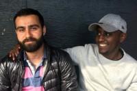 »Det är positivt att de ordnar det här i ett utsatt område« säger Alex Berhane (t.h) från Hjulsta som besöker Järvaveckan med Aras Actros från Tensta.