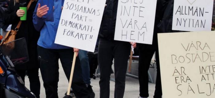 Protester utanför kommunhuset i Umeå/ ETC 2017-06-16