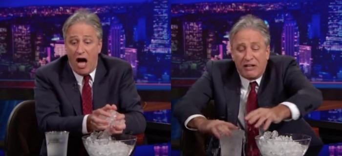 Jon Stewart på The Daily Show demonstrerar issmältning.