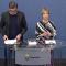 Annika Strandhäll tillsammans med  Lars Arrhenius vid överlåtandet av Utredningen om en modern föräldraförsäkring FOTO: regeringen