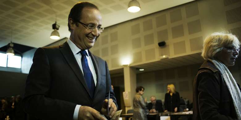 Francois Hollande vid valurnan.