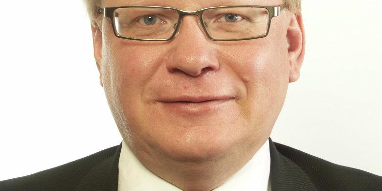Peter Hultqvist ordförande i Försvarsutskottet.