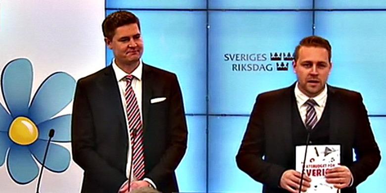 Oscar Sjöstedt och Mattias Karlsson, SD. Foto: Skärmdump från SVT Forum.