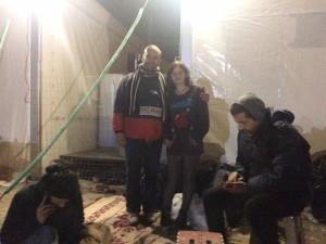 Abdullatif och Rana Ezeddeen. Till höger Ahmad Mohamad. Bild: Johanna Senneby