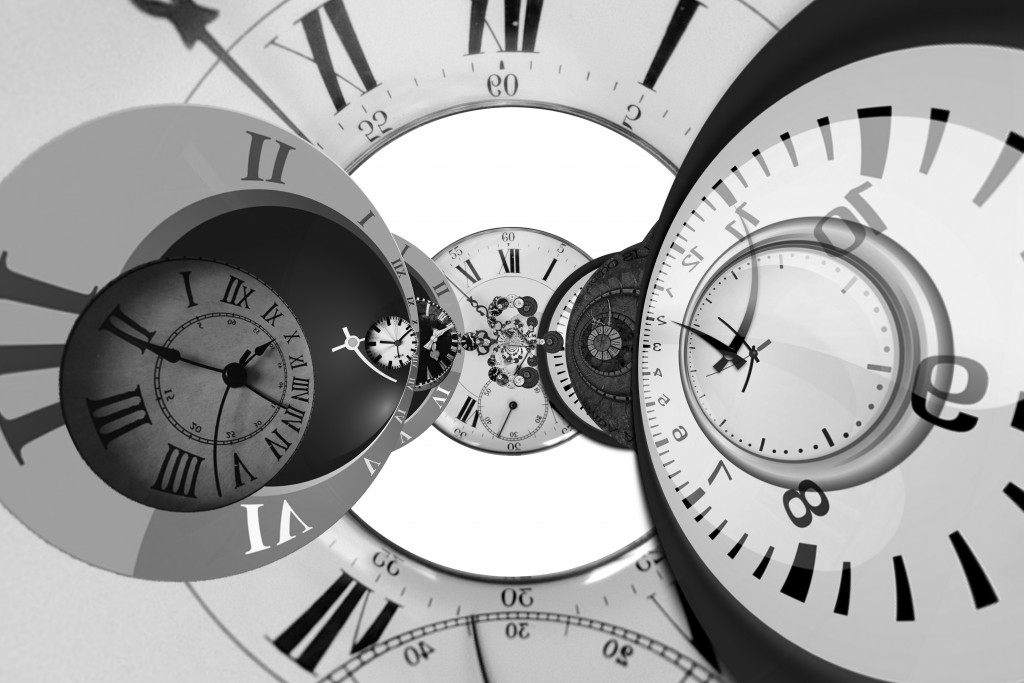 clock-1527700_bw