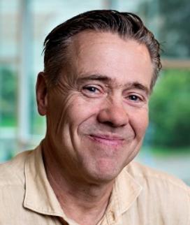 Peter Esaiasson Professor i statsvetenskap vid Göteborgs universitet