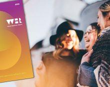 Bild på framsidan på World Happiness Report och en bild på tre glada unga kvinnor