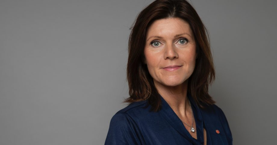 Porträttbild på arbetsmarknadsminister Eva Nordmark (S).