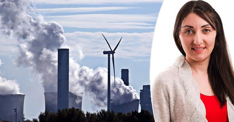 Porträttbild på Ermine Khachatryan och en bild på ett kolkraftverk som spyr ut rök - med ett vindkraftverk i förgrunden