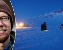 En porträttbild på Mats Björkman i varm mössa och en bild på en forskare i ett snötäckt och bergigt Arktis. Forskaren ser ut att granska markytan. Det är mörkt och i bakgrunden står en skoter med strålkastare på.