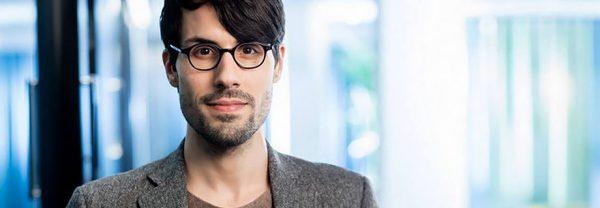 Porträttbild på German Bender, programchef för arbetsmarknad och utbildning på Tankesmedjan Arena Idé.